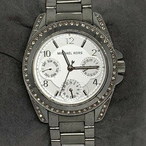 Michael Kors Womens Analog Silver Dial Watch Aa262